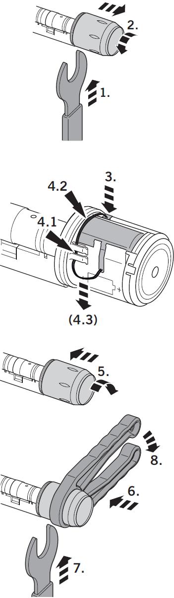 1.1 Перед вводом в эксплатацию подключите аккумуляторную батарею (при поставке цилиндра батарейный блок не подключен, крышку цилиндра можно открутить вручную)  1. Зафиксируйте гаечным ключом модуль считывателя.  2. Отвинтите крышку модуля считывателя.  3. Вставьте штекер аккумуляторя в разъем.  4. Соеденительный кабель протяните через специальные зажимы (4.1). Кабель батареи проложите как можно ближе к основанию корпуса (4.2) и пластика крепление.Осторожно натяните кабель по направлению к символу батареи (4.3).  5. Установите крышку модуля считывателя и затем затяните. (осторожно, не повредите кабель)  6. Установите монтажные плоскогубцы точно на модуль считывателя.  7. Зафиксируйте гаечным ключом модуль считывателя.  8. Закрепите крышку модуля считывателя к корпусу (крутящий момент около 12 Nm).